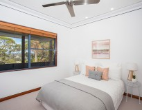 Bed1-Burrill-Lake-For-Sale